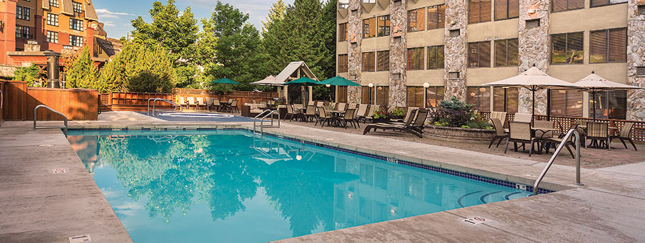Mountainside Lodge Outdoor Pool