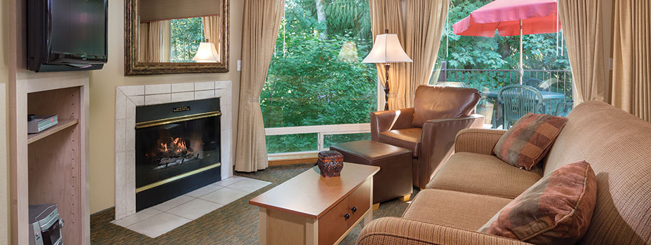 Whispering Woods Resort Bedroom